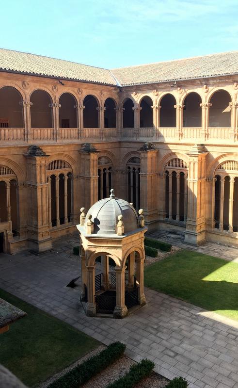 claustro del Convento de San Esteban en Salamanca 4