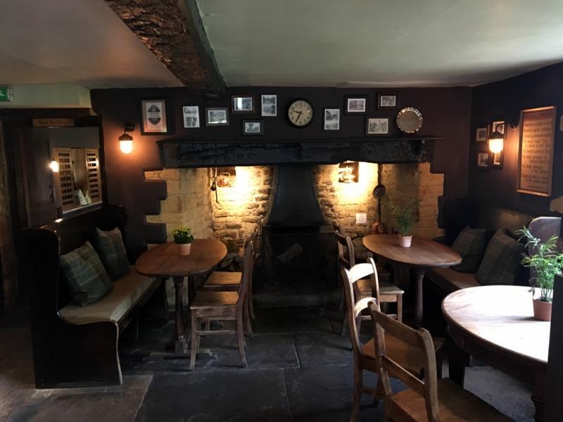 zona del pub del Ebrington Arms en Chipping Campden 1