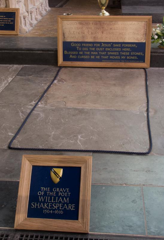 tumba de Shakespeare en Holy Trinity Church en Stratford-upon-Avon