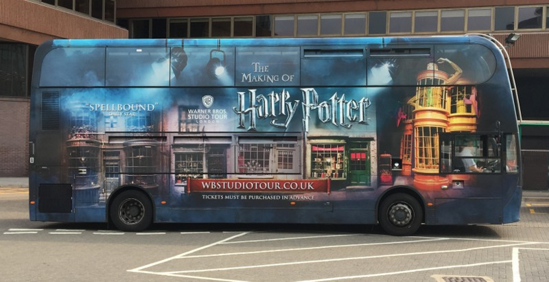 bus de Watford Junction a los Warner Studios