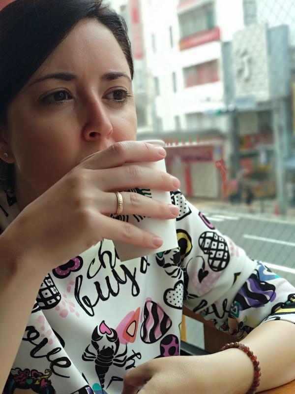 Lidia en Starbucks Asakusa