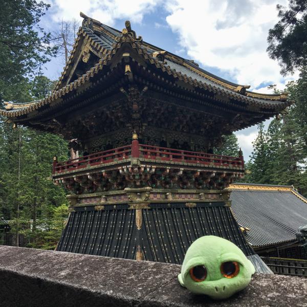 Tarty en el Santuario Toshogu Nikko