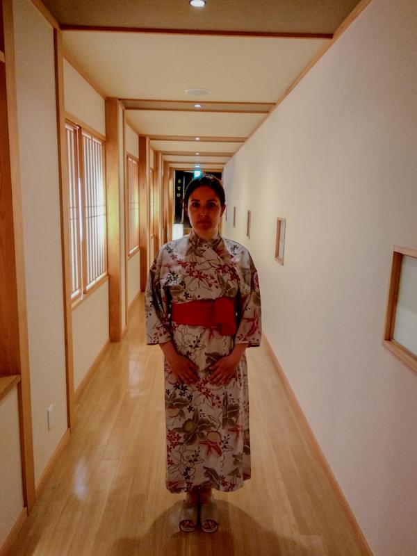 Lidia en interior del Takaragawa Onsen